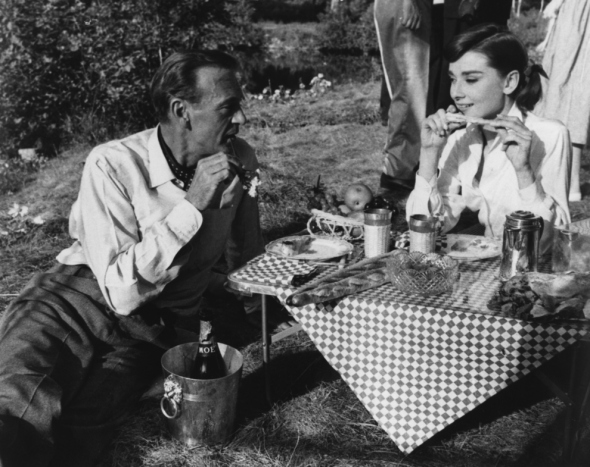 Vintage Photos Of Celebrities Eating (20)